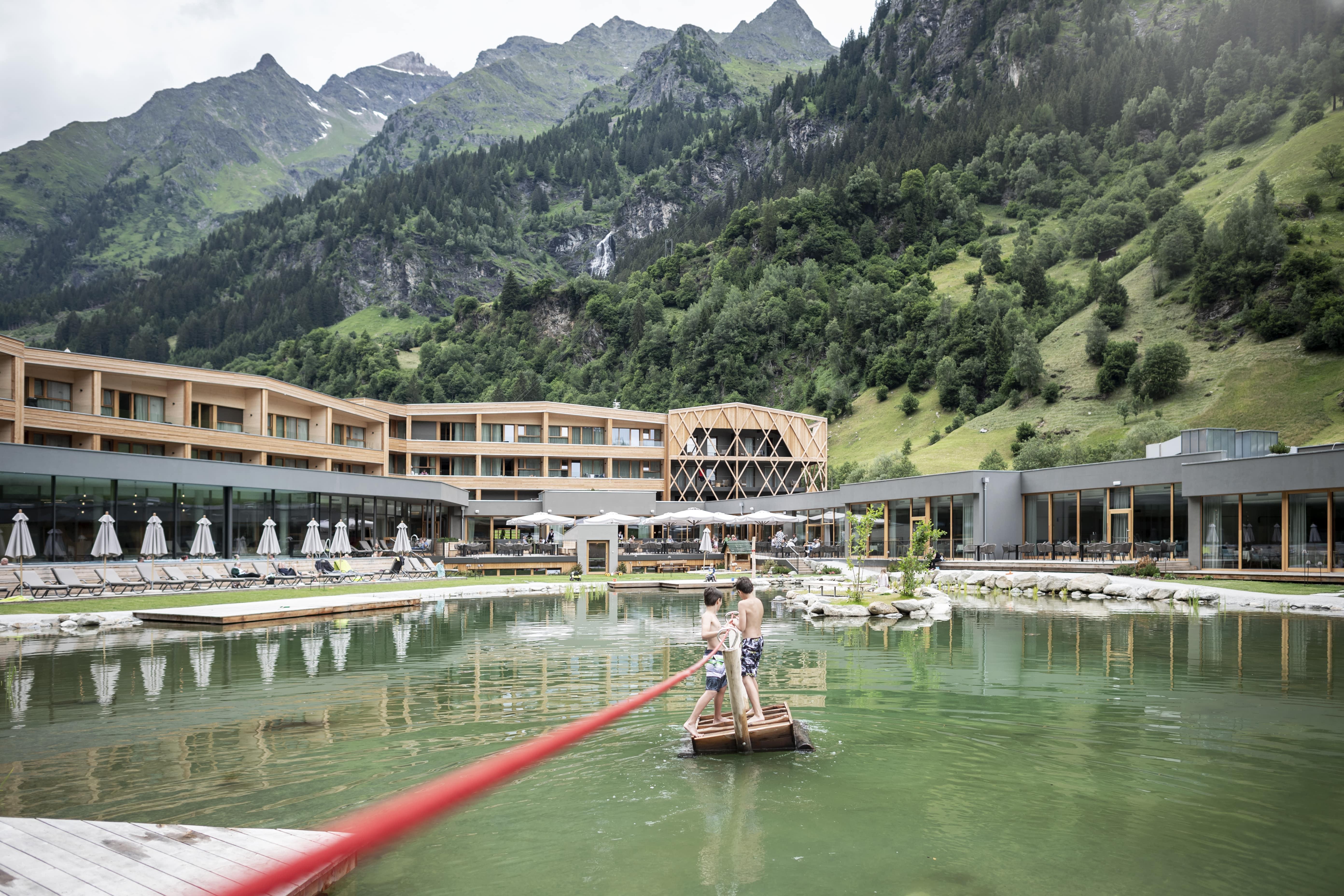 Feuerstein Nature Family Resort - Kinderhotel in Südtirol, Italien