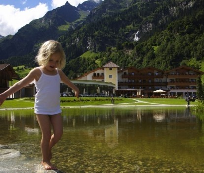 Feuerstein Nature Family Resort - Kinderhotel in Südtirol, Italien