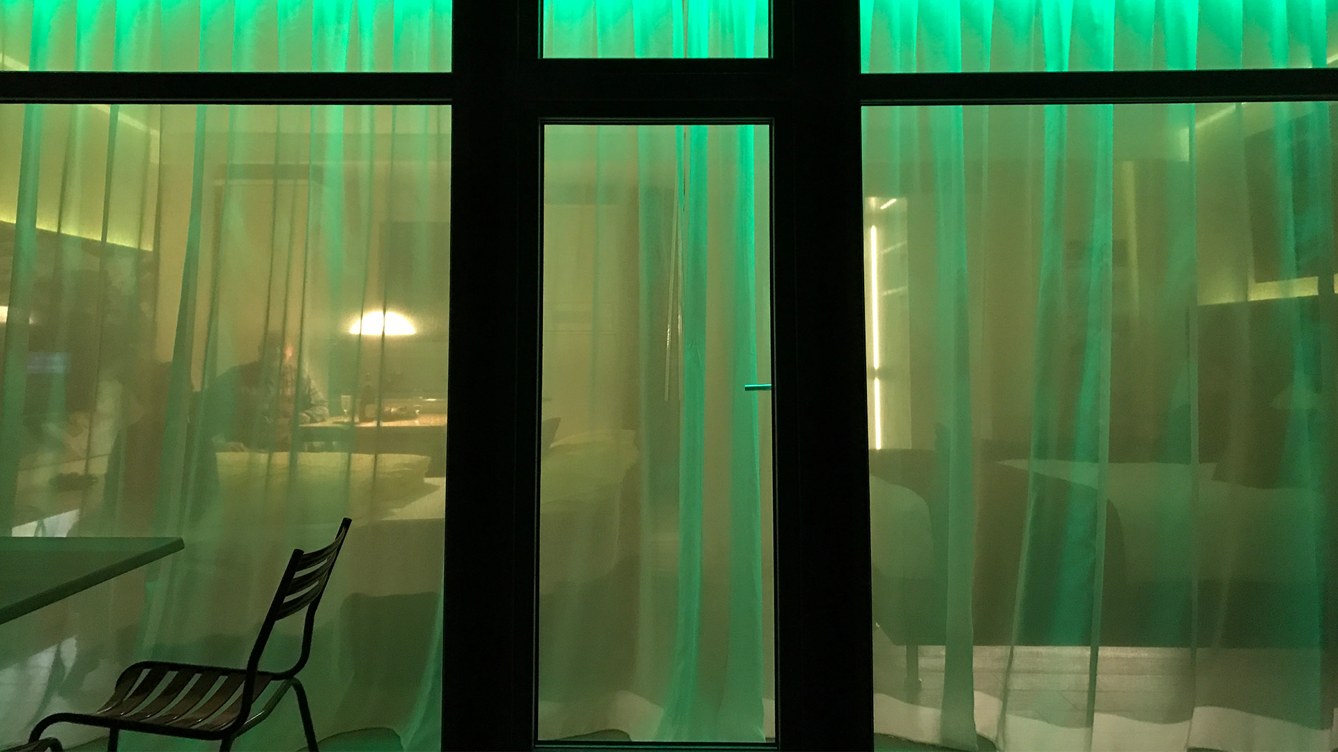 Neue Familienzimmer mit verspielter LED Beleuchtung