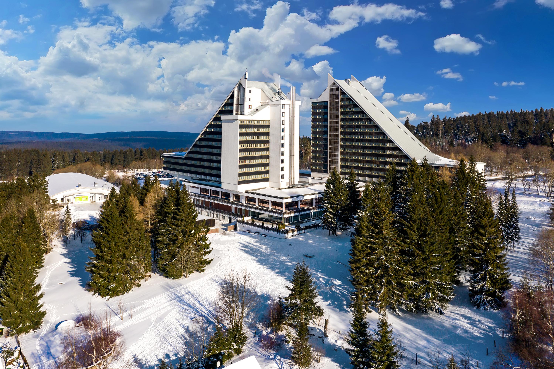 AHORN Panorama Hotel Oberhof Außenansicht Winter
